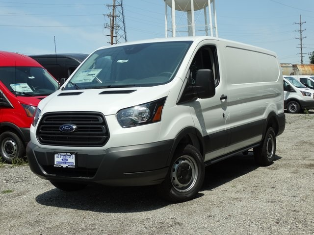 Ford Transit 250 >> New 2018 Ford Transit 250 Base 3d Low Roof Cargo Van In Melrose Park
